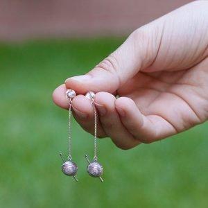 Pendientes de plata ovillo y aguja